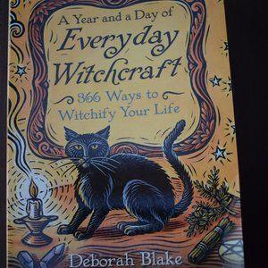 Everyday Witchcraft Book 3/10$🖤